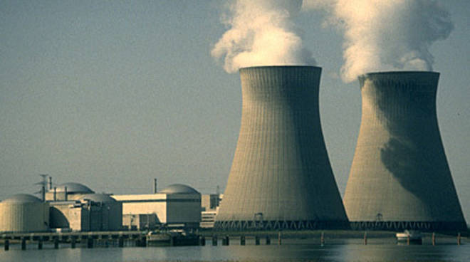 centrale-nucleare-001