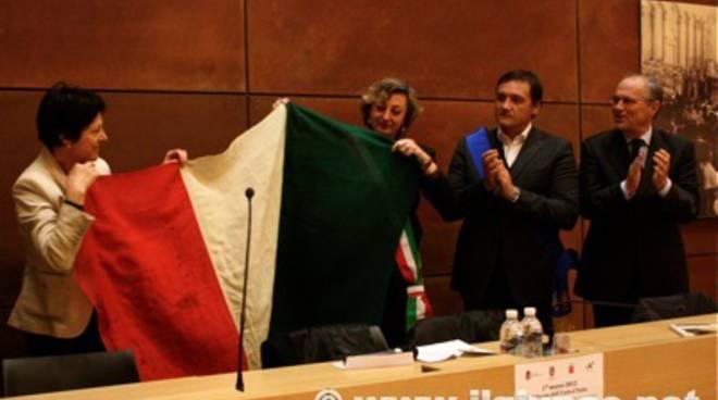 ritorno_bandiera_2012_8mod