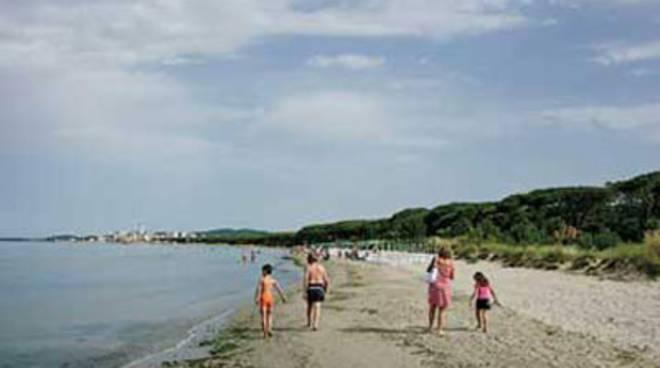 mare_spiaggia_puntone_2012