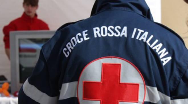 croce rossa stretta