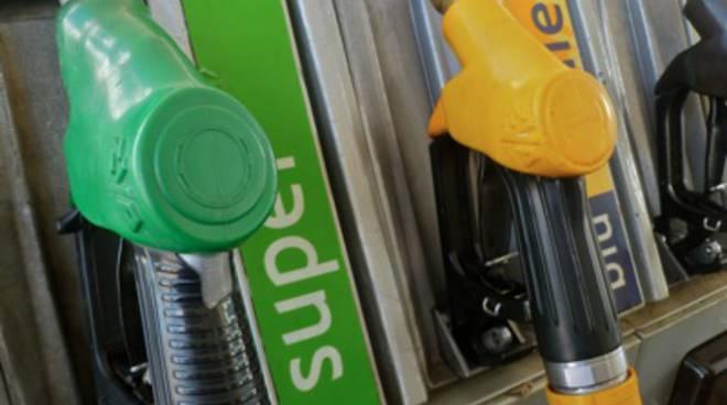 pompa_benzina_distributore_2012_1mod
