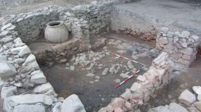 necropoli vetulonia tomba