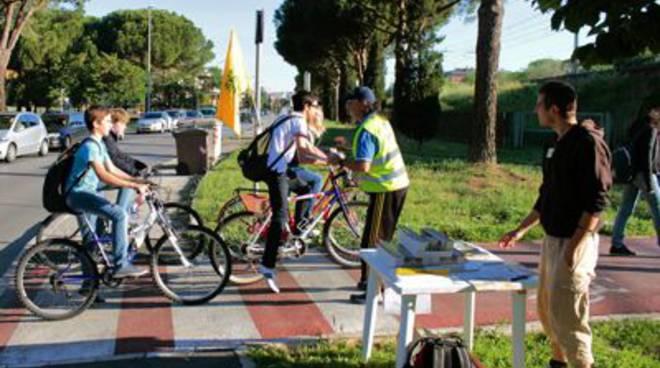 La Toscana sale in bici, con 5 itinerari e un nuovo bando per ciclopiste urbane