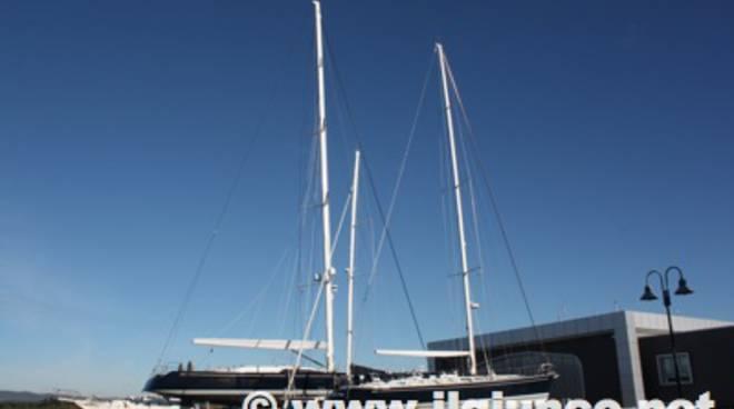 Alla marina di scarlino in mostra l 39 ombelico del mondo for Mondo convenienza scarlino