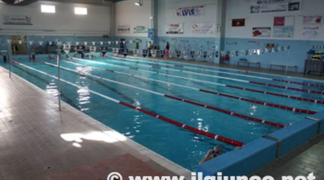 Sconti in piscina accordo tra comune di roccastrada e l for Bagno della piscina