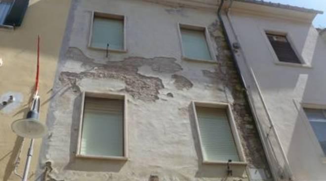palazzo degrado facciata