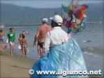 venditore_spiaggia_2013_01mod