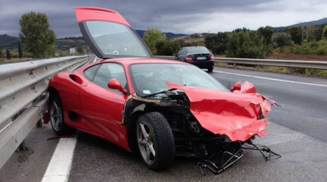 nainggolan illeso dopo un incidente in ferrari