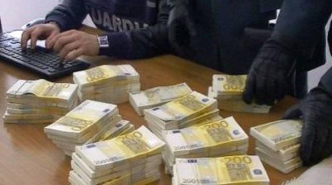 guardia finanza evasione_denaro