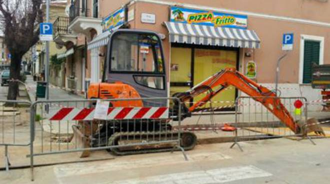 cantiere follonica