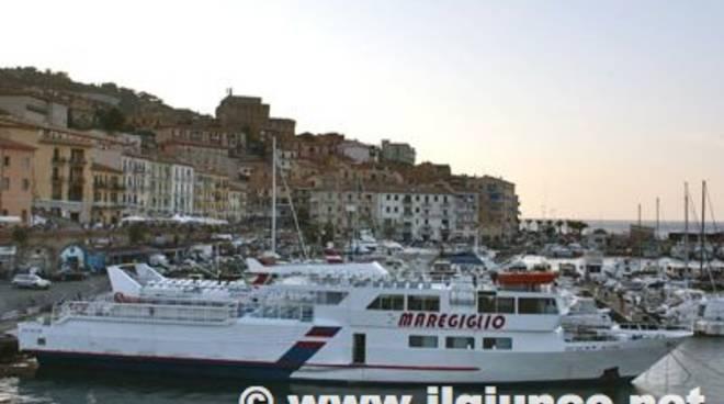 porto_santo_stefano_traghettimod
