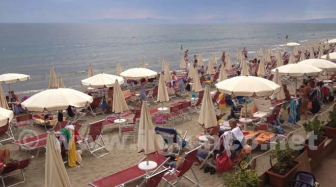 ombrelloni mare turismo 2015