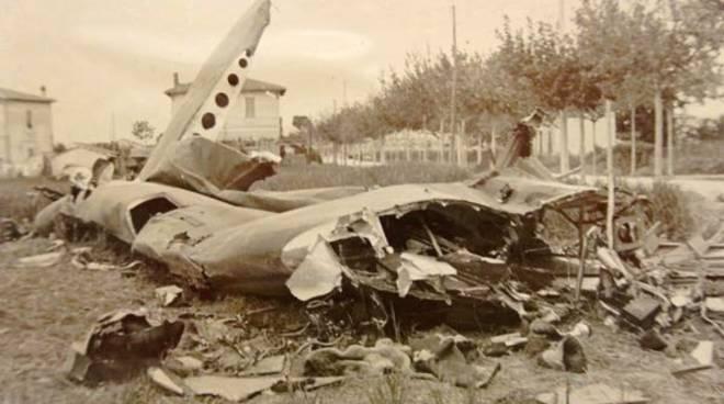 bombardamento pasquetta aereo abbattuto Fernado santoni