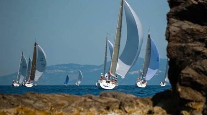 Vela tutto pronto per la seconda edizione del gavitello d 39 argento - Bagno vela punta marina ...