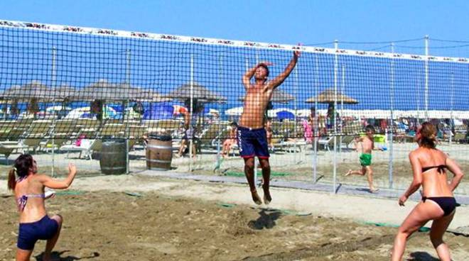 https://www.ilgiunco.net/photogallery_new/images/2015/07/beach-volley-159421.660x368.jpg
