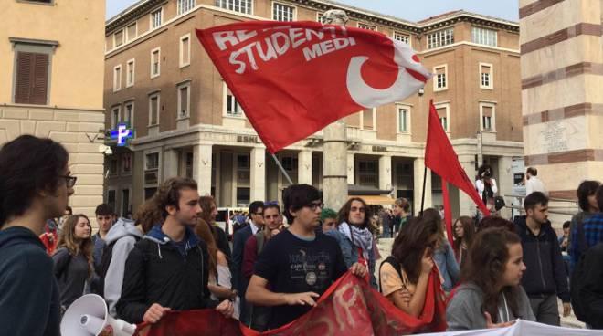 manifestazione studenti medi
