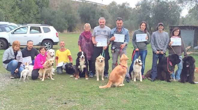 Pet therapy in maremma ci sono 9 nuovi educatori cinofili for Lavorare con i cani