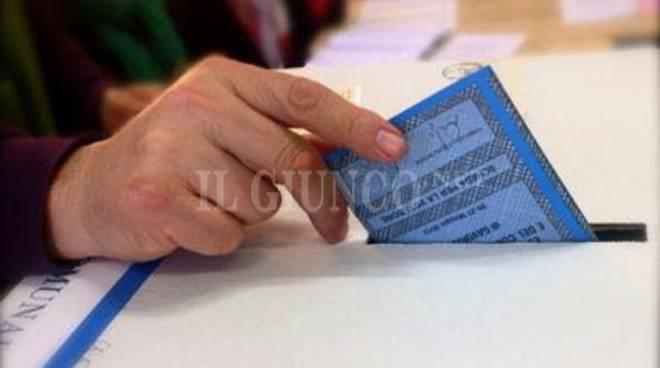 scheda urne elezioni amministrative
