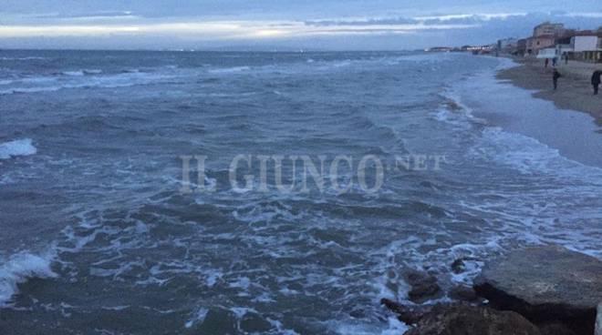 spiaggia mare follonica