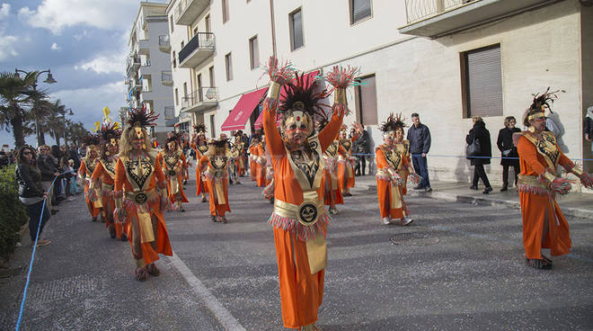 Carnevale Follonica terza sfilata e vincitore 2016