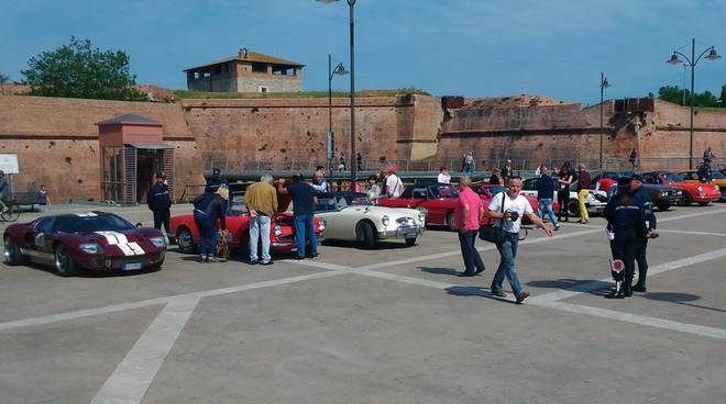 auto epoca piazza Nassiriya
