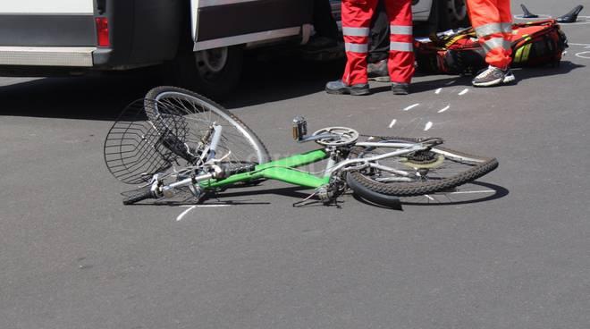 Incidente in città Castiglionese maggio 2016 ciclista bicicletta