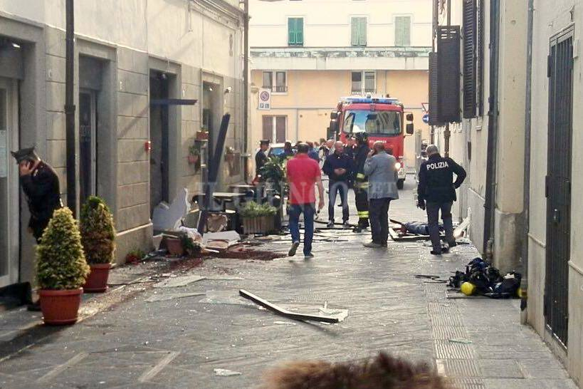 Bombola esplosa via Bertani