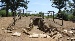 Vino e lusso degli Etruschi Rocca di Frassinnello