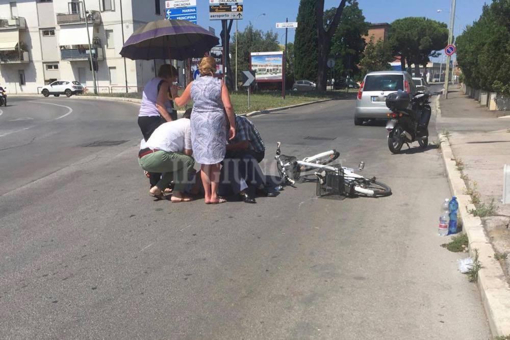 Incidente stradale auto contro bici luglio 2016