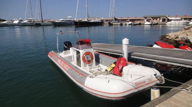 Barca vigili del fuoco mare