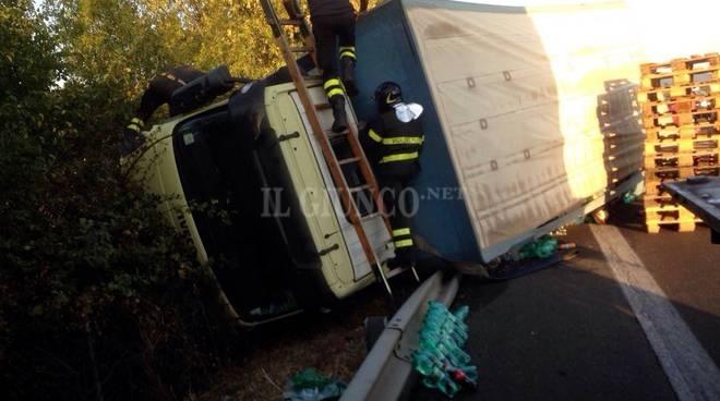 incidente camion superstrada 2016