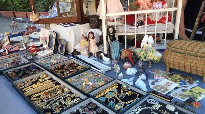 mercatino antiquariato