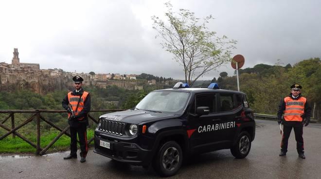 carabinieri pitigliano jeep