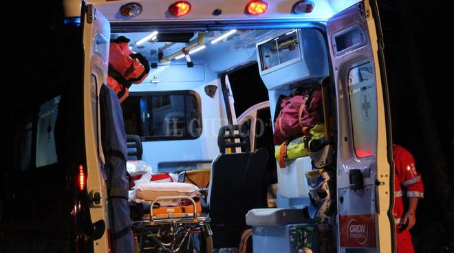 incidente 118 ambulanza croce rossa notte