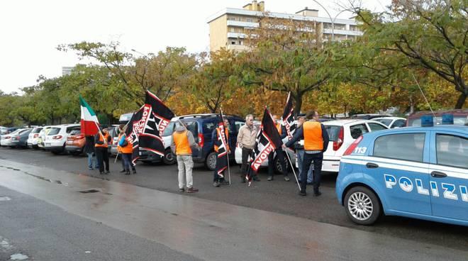 manifestazione forza nuova parcheggiatori abusivi