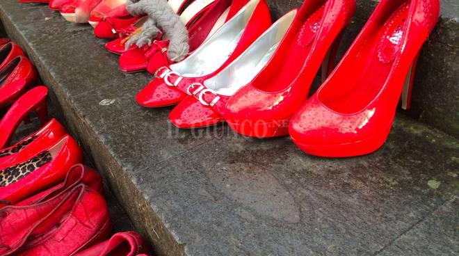 violenza donne femminicidio scarpe rosse