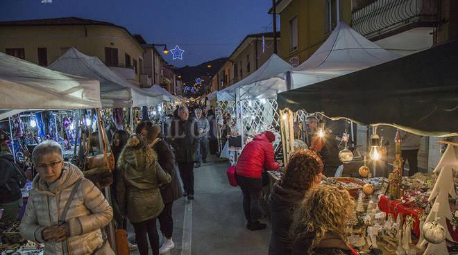 Artigianato presepi gastronomia a bagno di gavorrano inaugurato il mercatino di natale - Bagno di gavorrano ...