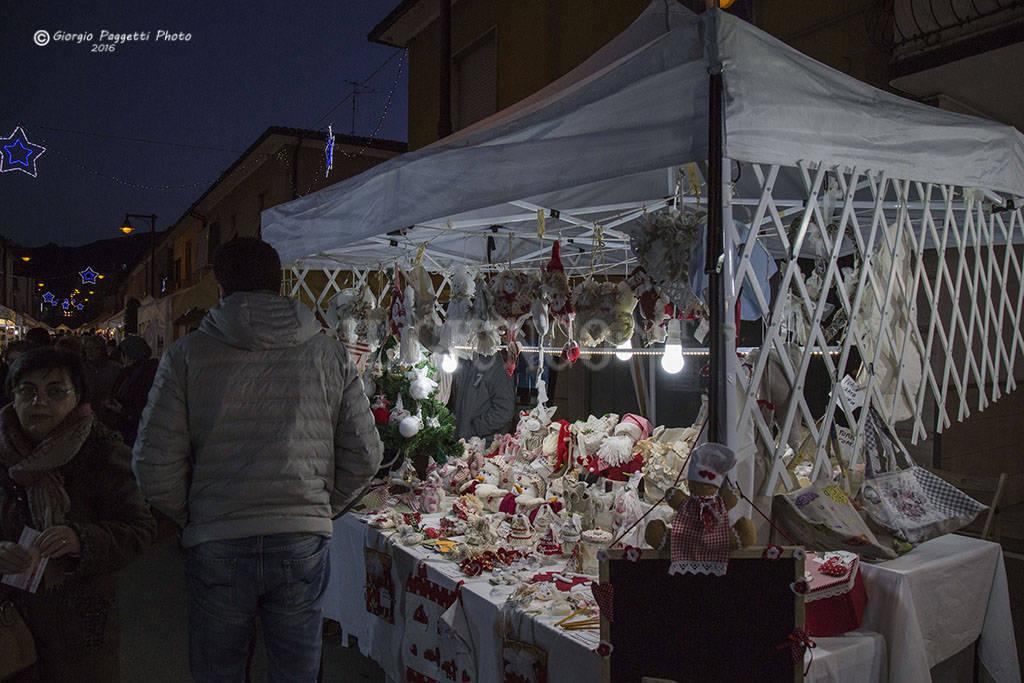 Foto di artigianato presepi gastronomia a bagno di gavorrano torna il mercatino di natale - Bagno di gavorrano ...