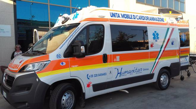 ambulanza humanitas roselle