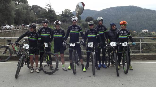 ciclismo follonica squadra himod bike