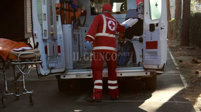 Bambina caduta 2017 croce rossa ambulanza