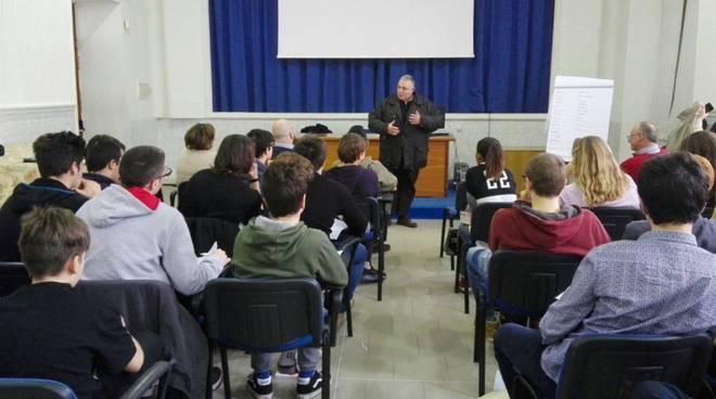 Vivarelli Colonna al liceo Chelli