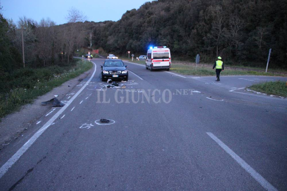 Incidente Istia d'Ombrone: moto e 3 auto
