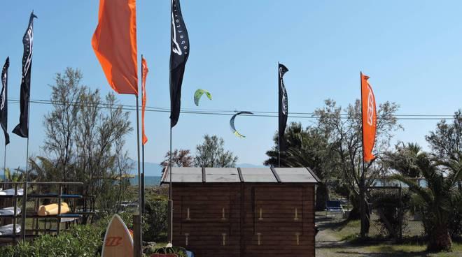 nuova scuola talamone kite surf