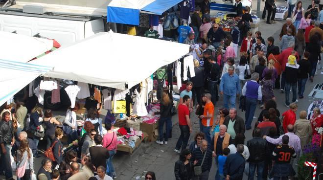 mercato festa degli ambulanti