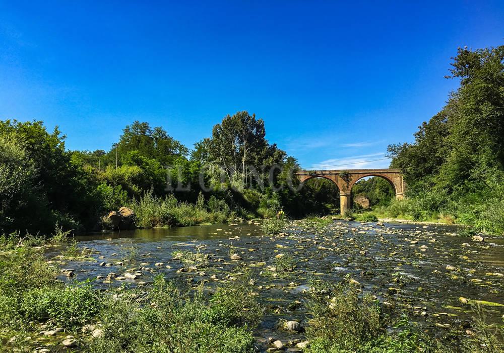 La foto del giorno il ponte sul fiume fiora - Il giardino sul fiume ...