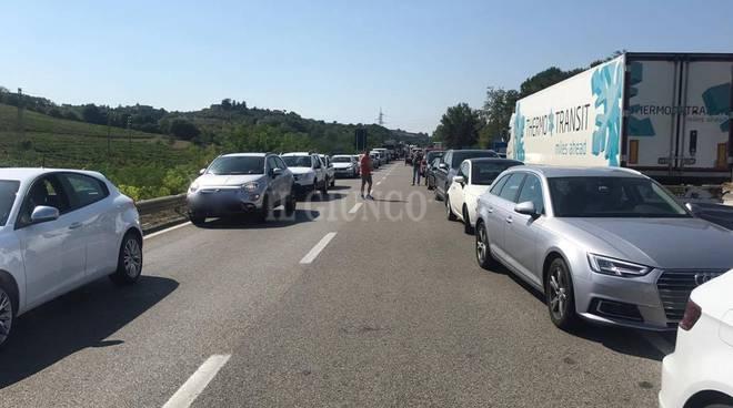 Treni, incendio nel grossetano: stop lungo la linea Tirrenica