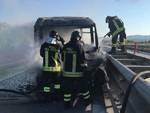 Incendio autobus Venturina vvf