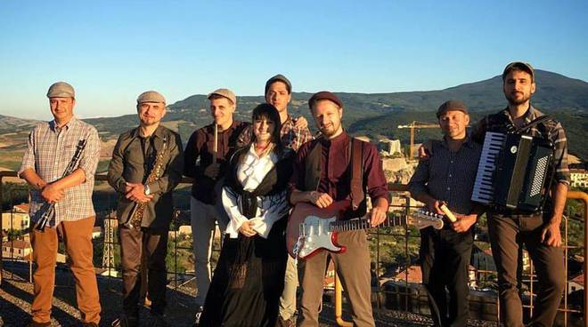 Leggera Electric Folk band