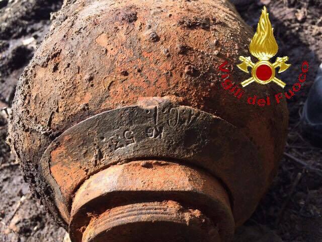 Bombola acetilene abbandonata 2017